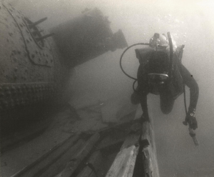 Diver explores the remains of an unidentified coal carrier in Georgian Bay, Tobermory, Lake Huron. Photo Credit: Bill Hughes.